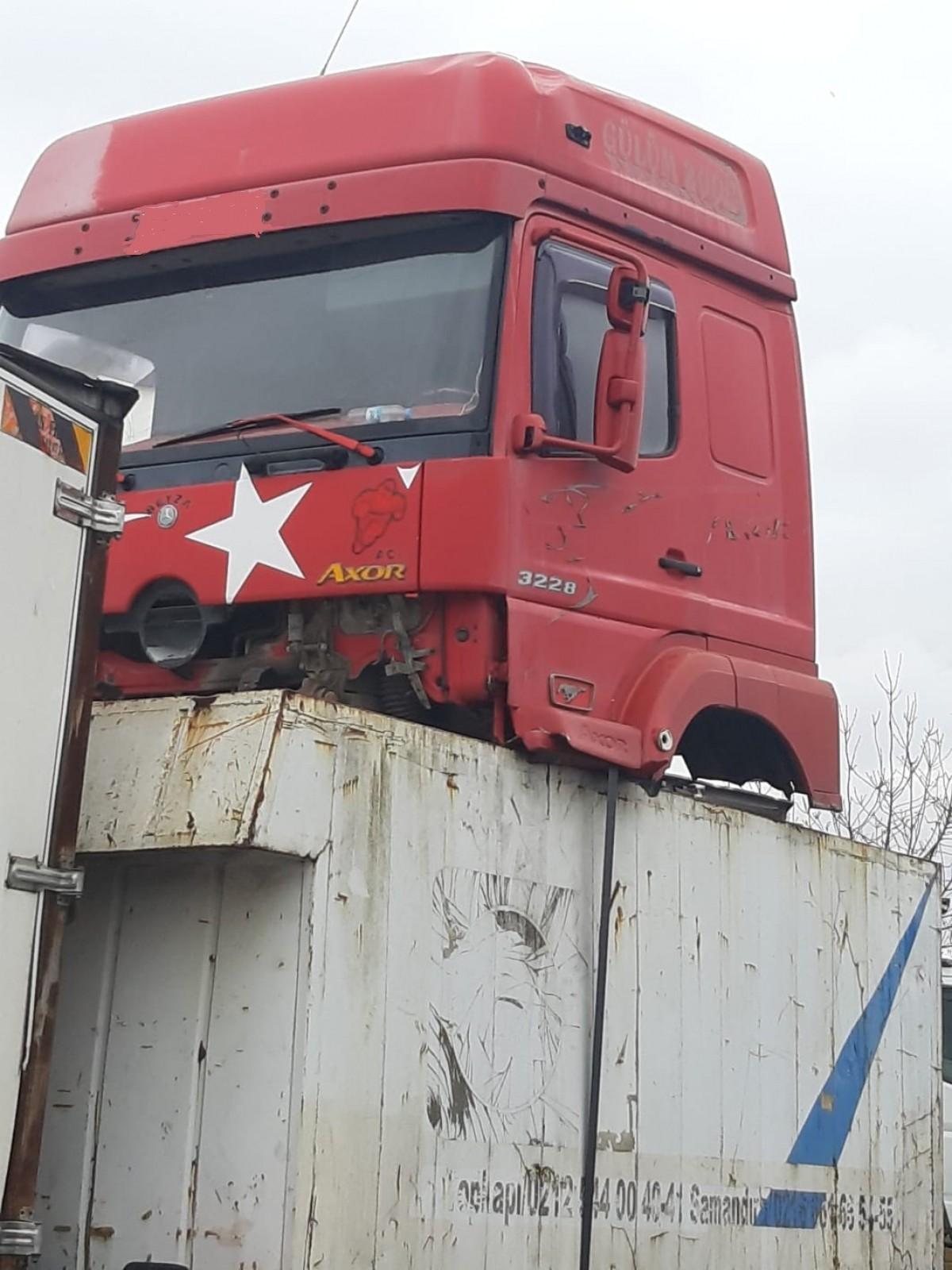 mercedes axor 3228 orjinal cikma kabin 05327102145 kamyon kamyonet